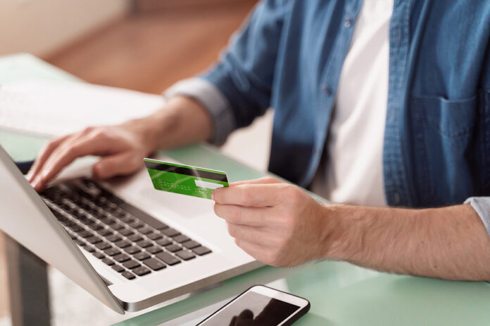 Customers Shaping E-Commerce Growth This Year